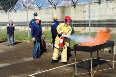 На Чебоксарскй ГЭС потушить огонь могут даже девушкиНа Чебоксарской ГЭС прошли соревнования пожарных-добровольцев РусГидро