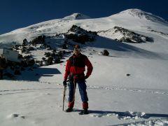 На Эльбрусе. Приют одиннадцати. Высота 4200 м.Лучший отдых — испытания в горах! Эльбрус горы альпинист Активное долголетие