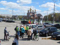 На фоне ХрамаСели мы на велик – взяли курс на Элĕк велопробег День Победы