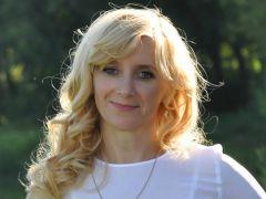 Учитель географии гимназии № 6 Наталья ЯковлеваШколы Новочебоксарска отмечают юбилеи