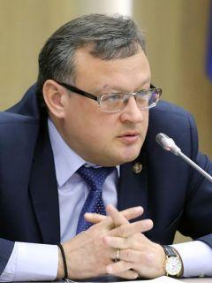 Министр финансов Чувашии Михаил Ноздряков.Пора заделать бреши