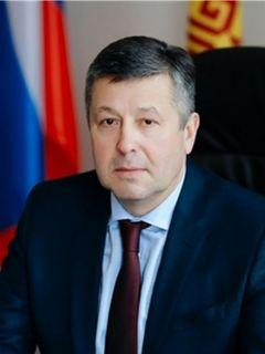 Министр транспорта и дорожного хозяйства Чувашии Владимир Осипов.Пора заделать бреши