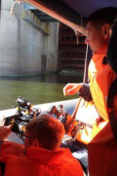 Осмотр ГТС с катераПервая в Чувашии сейсмологическая сеть оборудована на Чебоксарской ГЭС РусГидро