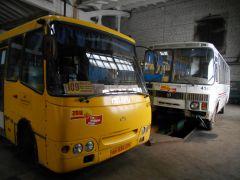Водители автобусов ждут зарплат  и не хотят терять работу Чувашавтотранс