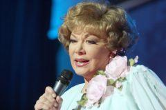 Фото http://smena.ru Первая исполнительница  советских твистов Дайджест