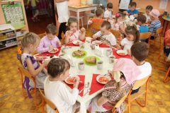 """В детском саду № 2 """"Калинка"""" все вкусно и очень полезно! Фото Марии СмирновойЧем кормят дошколят питание детсады"""