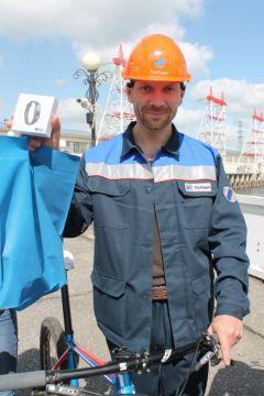 Победитель велоконкурса Дмитрий УржумцевГидроэнергетики Чебоксарской ГЭС подержали Всероссийскую акцию  «На работу на велосипеде» РусГидро
