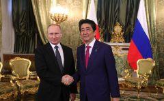 С Премьер-министром Японии Синдзо Абэ.Путин встретился с премьер-министром Японии Синдзо Абэ Владимир Путин