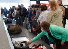Не все смогли получить свой багаж в ШереметьевоВ аэропорту Шереметьево возник сбой при доставке багажа  Аэрофлот