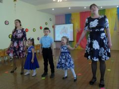 Все участники семейного концерта в детском саду № 49 продемонстрировали музыкальное и сценическое мастерство. Фото из архива ДОУС семьей и для семьи Международный день семьи
