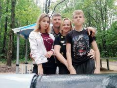 Фото из семейного альбома ЧесноковыхБольшой маленький мир семья Грани счастья