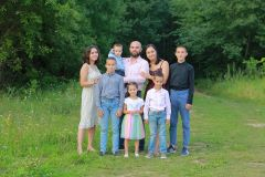 Семью держат доверие и традиции семья