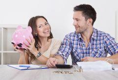 Семейный бюджет — тема не запретная. Но чтобы обсуждение денежных вопросов не превратилось в разборки, нужно выработать позитивный настрой. Фото с сайта yourlife.proСчастье – жить по средствам Личные финансы