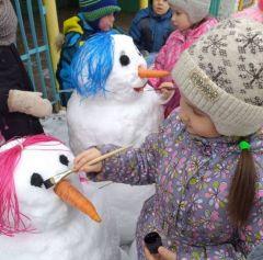 Снеговики в детском саду № 17.Зимний калейдоскоп в детских садах Дошколенок