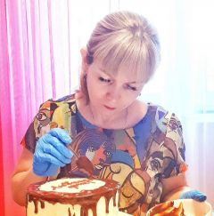 Ни одно торжество в кругу родных и близких Татьяны не обходится без ее десертов. Между декретом и офисом. Зачем мамы превращают хобби в заработок Современница Найти себя