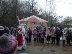 Tieriem_05.JPGВ Новочебоксарской Ельниковской роще открылся Терем Деда Мороза Терем Деда Мороза Новый год 2016