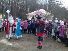 Tieriem_07.JPGВ Новочебоксарской Ельниковской роще открылся Терем Деда Мороза Терем Деда Мороза Новый год 2016