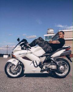 Три года назад у Алексея появилось новое увлечение — мотоциклы.Современный дальнобойщик дальнобойщик