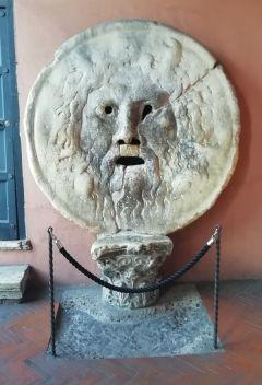 """""""Уста истины"""": кто врет, тому руку откусят.Римские каникулы Тропой туриста Рим Италия"""