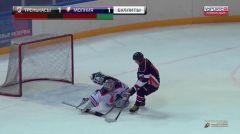 В воротах Молнии-РусГидро Артур Башун«Молния-РусГидро» завоевала второе место в дивизионе «Дебют»  Объединенной корпоративной хоккейной лиги РусГидро