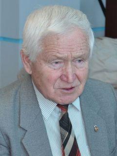 Председателя Новочебоксарского совета ветеранов войны Валерия Аввакумовича АВВАКУМОВА.Не забыть ни одного ветерана,  каждому оказать помощь Лица Победы 75 лет Победе