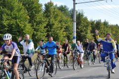 Vieloprobiegh_Solntsa_na_spitsakh.jpgБегом и на велосипеде проследовали дорогою Андрияна Николаева велопробег солнце на спицах Андриян Николаев