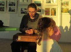 Дети заказывали фигурки животных, а родители — свой профиль. Фото автораМузы, космос и природа ночь музеев