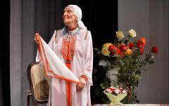 Фото cap.ruЦветы для легенды Территория культуры Вера Кузьмина