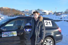 Самый юный участник соревнований Виталий Чекушкин, 13 лет.Ледовое автопобоище Волжский трек автогонки