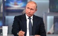 Владимир Путин внимательно отнесся к каждому вопросу.  Фото kremlin.ruМы должны быть во главе поезда  нового технологического уклада прямая линия с Владимиром Путиным 2018 Моя Держава