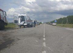 Место ДТП. Фото: МВД по ЧРВ ДТП, случившемся в Ядринском районе, пострадали пять человек ДТП