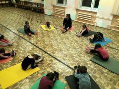 Анастасия Журавлева за год научила своих малышей делать шпагат и мостик.Быть тренером — не рано Человек труда первая зарплата