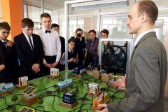 Занятия Энергокласса в КванториумеЧебоксарская ГЭС и Лицей № 18 приглашают школьников в Энергокласс и на факультативные занятия РусГидро