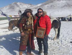 На просторах Монголии.  Фото из архива В.АлексееваВиктор Алексеев:  Настоящий монгол  каждый год шьет новый наряд