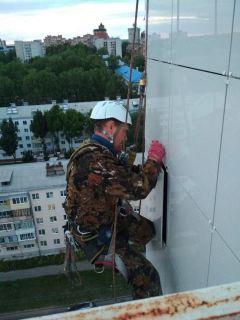 Алексей Андреев: Да, альпинист! Нет, не страшно! Человек труда промышленный альпинизм
