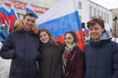 18 марта в Новочебоксарске. Фото nowch.cap.ru18 марта в Новочебоксарске состоялся праздничный концерт, посвященный 5-летию воссоединения Крыма с Россией #Крымнаш