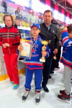 b9793d01eada289e.jpgХоккейный турнир, посвященный Дню города Новочебоксарска, завершился: главный приз отправился в Казань хоккей