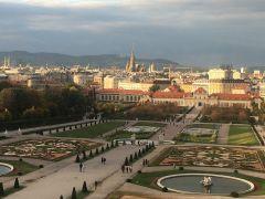 Вид на Вену из окон Бельведера. Дворец был построен для великого полководца принца Евгения Савойского. Моцарт, штрудель, Бельведер Колесо путешествий