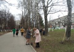 Администрация Новочебоксарска вышла на субботник весенние субботники