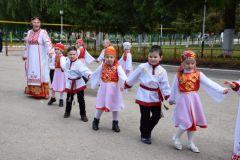 В Акатуе участвует и стар и младАкатуй добрался до Красночетайского района акатуй
