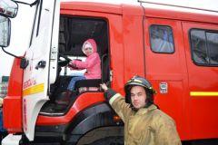Сухих рукавов! Профессиональный праздник отметили огнеборцы пожарные МЧС Чувашии