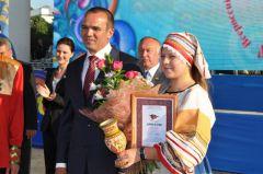 Обладательница Гран-при фестиваля Лидия Колыгина.Вся Россия  в гости к нам День Республики-2013