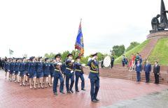 Член Госсовета КНР Ван Юн и Глава ЧР Михаил Игнатьев посетили Мемориальный комплекс «Победа» Волга-Янцзы