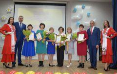 Михаил Игнатьев поздравил медсестёр Чувашии с профессиональным праздником Международный день медицинской сестры