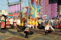fil_2388.jpgВ Чебоксарах открылся фестиваль народного творчества «Родники России» День Республики-2015