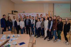 Врио Главы Чувашии Олег Николаев встретился с представителями активной работающей молодежи республики