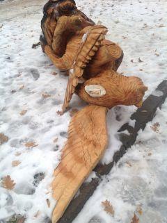 foto_1_9.JPGХулиганы бросают вызов власти Новочебоксарска: скульптуры в роще повалены все и сломаны скульптуры Новочебоксарск Ельниковская роща вандализм