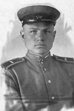 В 17 лет Александр Голюшев записался добровольцем, чтобы бить фашистов на фронте.Моя семья и война Лица Победы 75 лет Победе