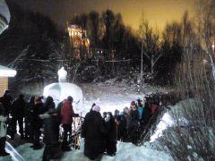 hd_16krieshchieniie.jpg В Новочебоксарске более 1600 человек окунулись в купелях в Крещенскую ночь 19 января — Крещение Господне