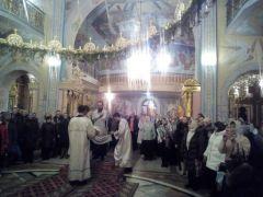 hd_18krieshchieniie.jpg В Новочебоксарске более 1600 человек окунулись в купелях в Крещенскую ночь 19 января — Крещение Господне